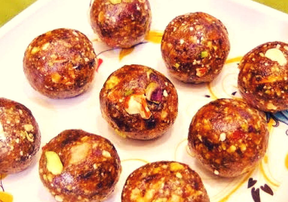 Dates & Nuts Ladoo Recipe